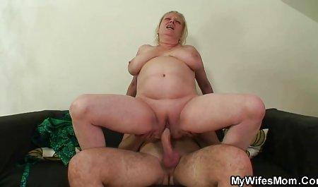 Lucu berambut merah istri menggoda bokep barat onlen suaminya setelah bekerja
