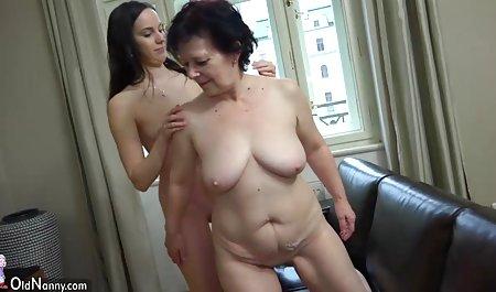 Tinka strip neneknya vidiongentotbarat di depan kamera